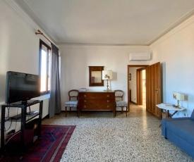 Calle San Giacomo Apartment
