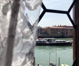 Tra i vetri di Murano