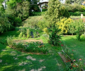 Locazione Turistica Casa Con Le Rose (SDF100)