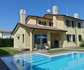 Villa with nice private swimming pool on Isola di Albarella