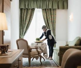 Laguscei Dolomites Mountain Hotel