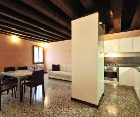 Castello di Godego Apartment Sleeps 6 WiFi T248513