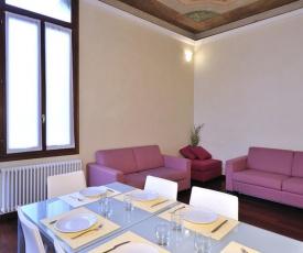 Castello di Godego Apartment Sleeps 7 Air Con WiFi