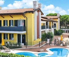 Nice apartment in Cavallino-Treporti w/ Outdoor swimming pool and 2 Bedrooms