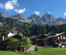 Chalet nel cuore delle Dolomiti