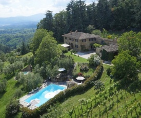 Grezzano Villa Sleeps 14 Pool WiFi