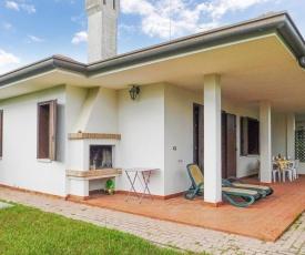Nice home in Isola Albarella w/ 3 Bedrooms