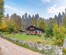 Nice home in Lamon (BL) w/ 3 Bedrooms