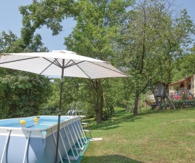 Stunning home in Longare w/ WiFi, Outdoor swimming pool and 3 Bedrooms