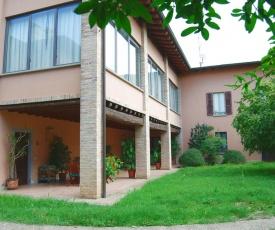 Spacious Villa in Capriolo near Lake