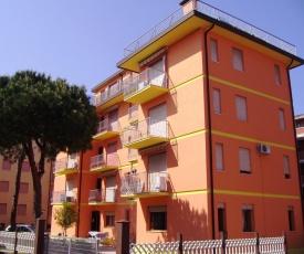 Apartment in Rosolina Mare 25041